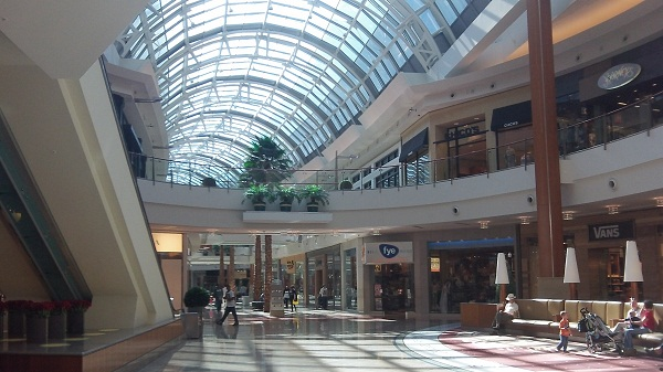 Orlando-Florida-Shopping-The-Mall-of-Millenia-1st-floor-view