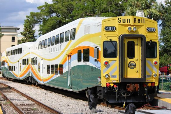 SunRail Trains are beautiful, Whoever designed them did a great job.